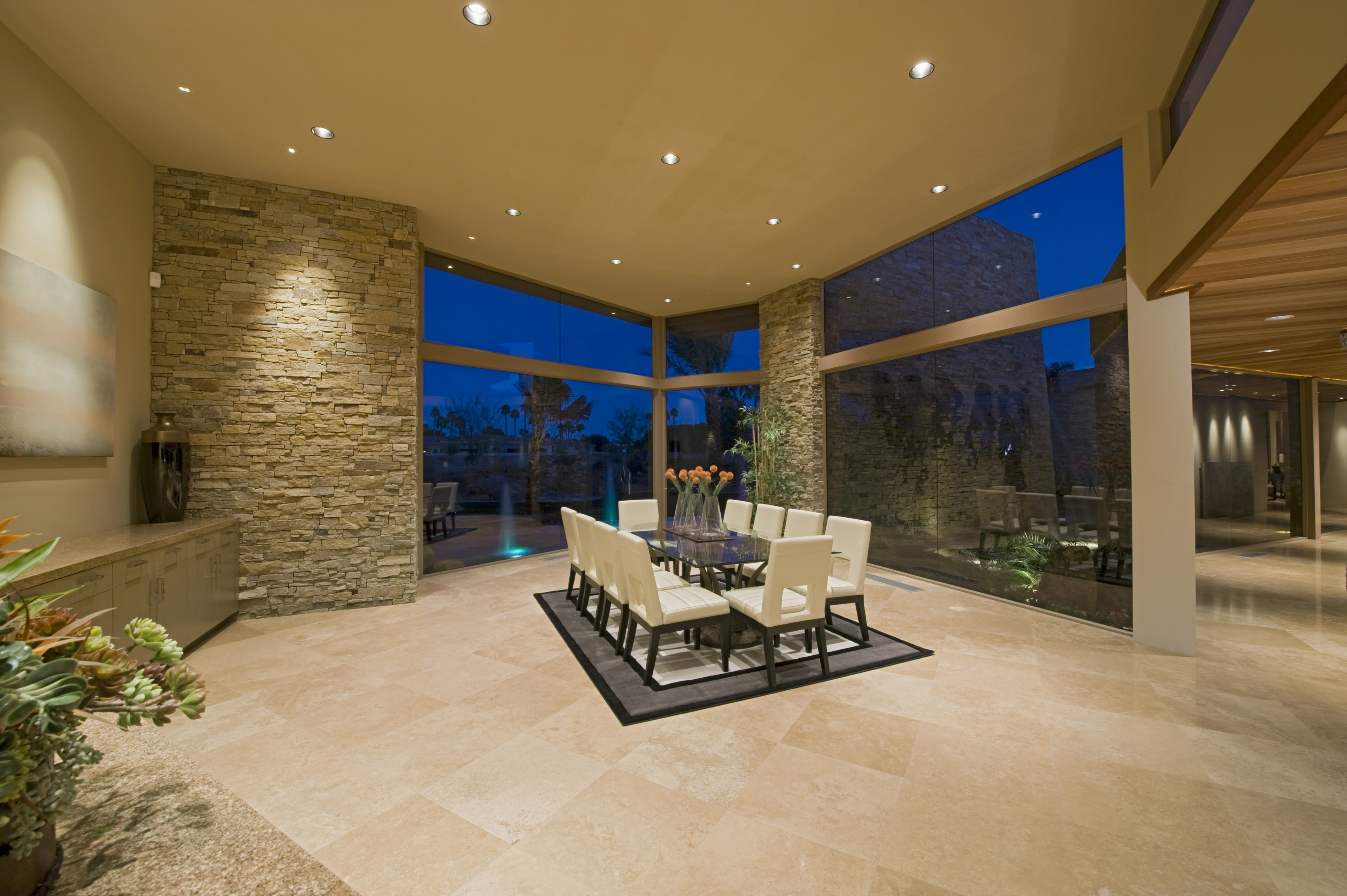 Decorează interior și exterior folosind pietre naturale
